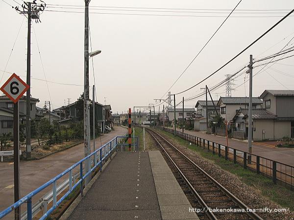 南吉田駅のホームその5
