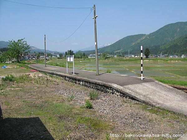 越後広瀬駅の旧島式ホームその1