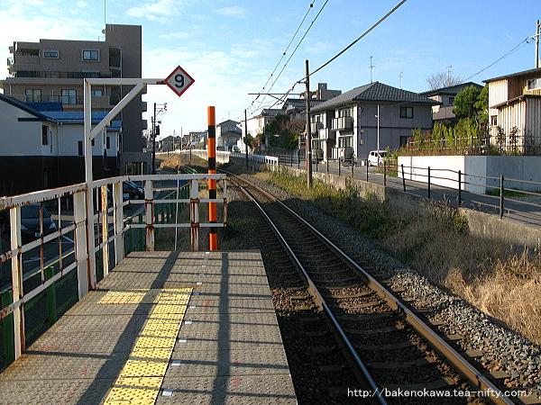 青山駅のホームその3