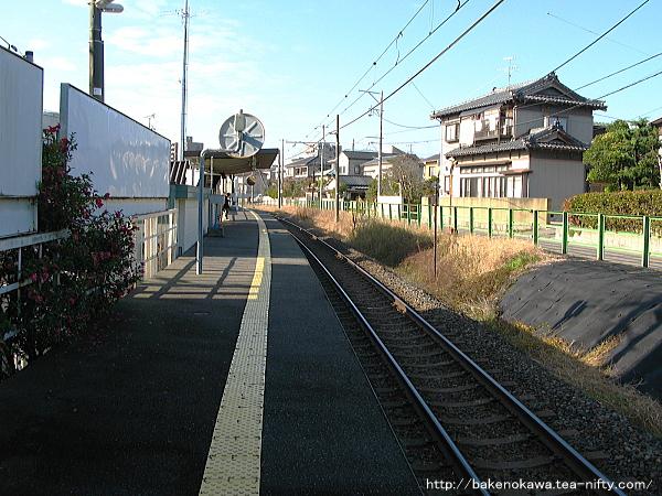 青山駅のホームその7