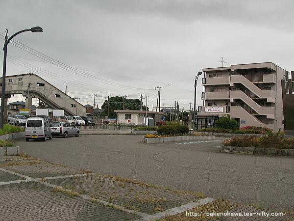 越後赤塚駅前広場
