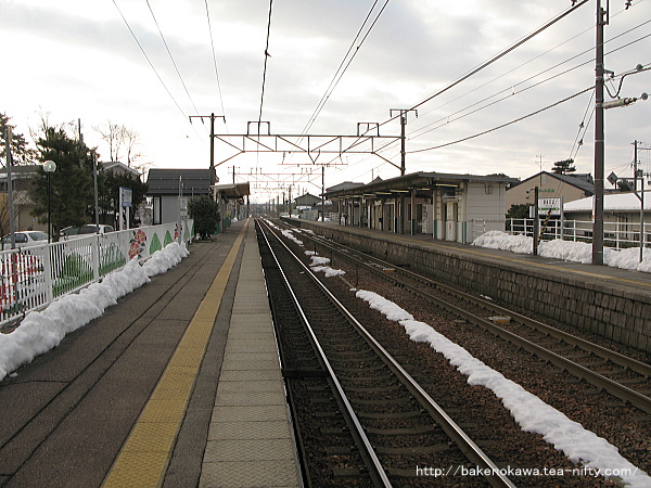 越後石山駅の上りホームその1