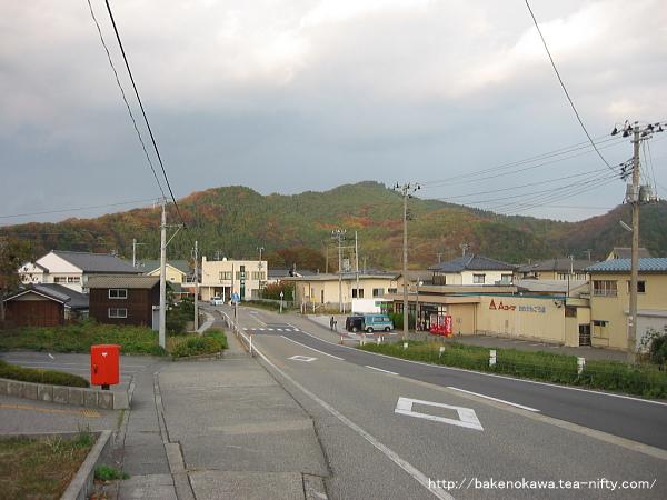 旧山北町中心部への入り口