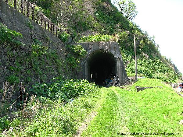 羽越本線の廃トンネルその一