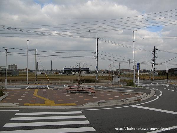 駅北口から新潟空港のある北方向を望む