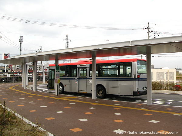 大形駅駅前ロータリーに発着する路線バス