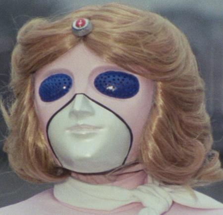 小牧りささん演じるミスアメリカのマスク