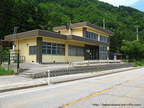 越後金丸駅駅舎