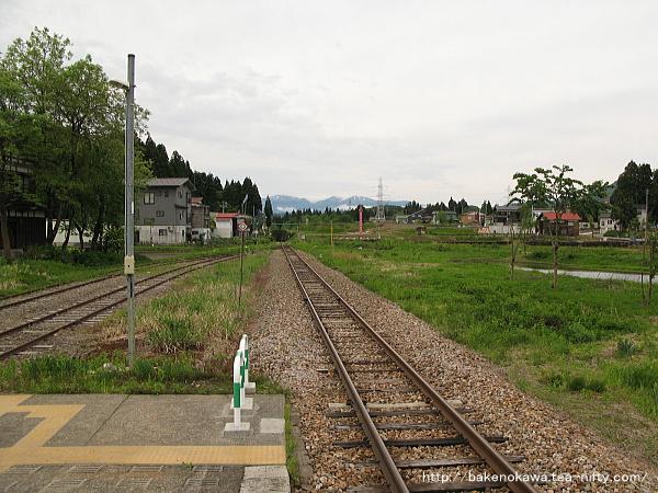 越後田沢駅のホームその4
