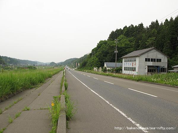 小木ノ城駅至近の国道116号線その2