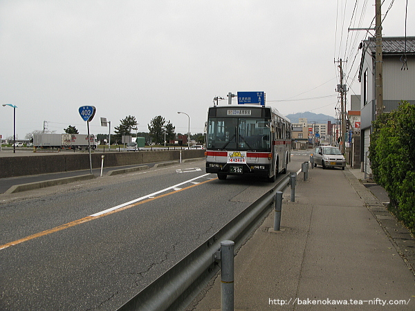 長岡駅前行の路線バス