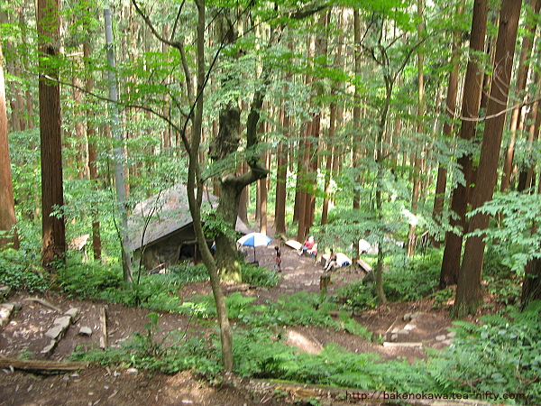登山道の休憩所