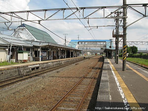 黒姫駅の島式ホームその2