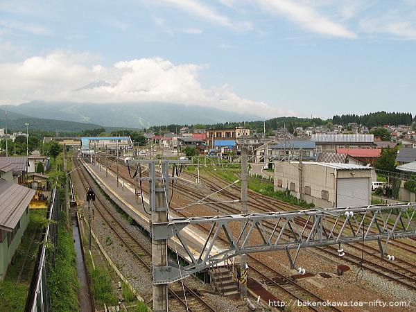 陸橋上から見た黒姫駅構内