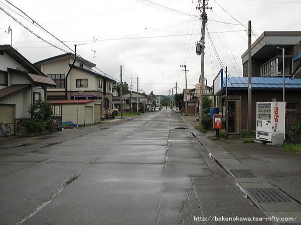 古間駅前通り