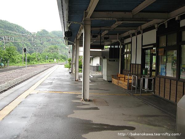 牟礼駅の1番線その2