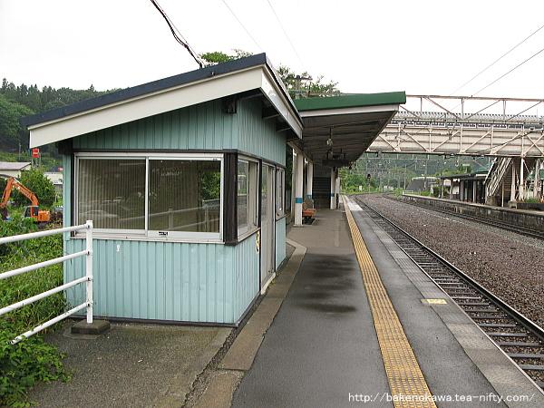 牟礼駅の2番線その3
