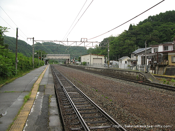 牟礼駅の2番線その1
