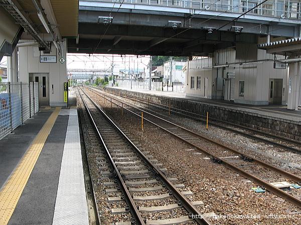 豊野駅の2-3番島式ホームその2