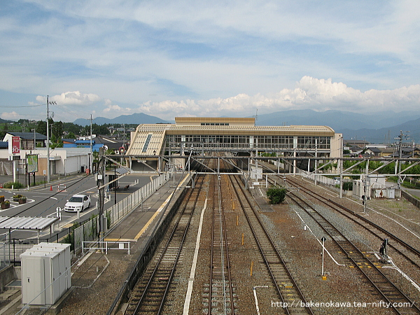 陸橋上から見た豊野駅構内