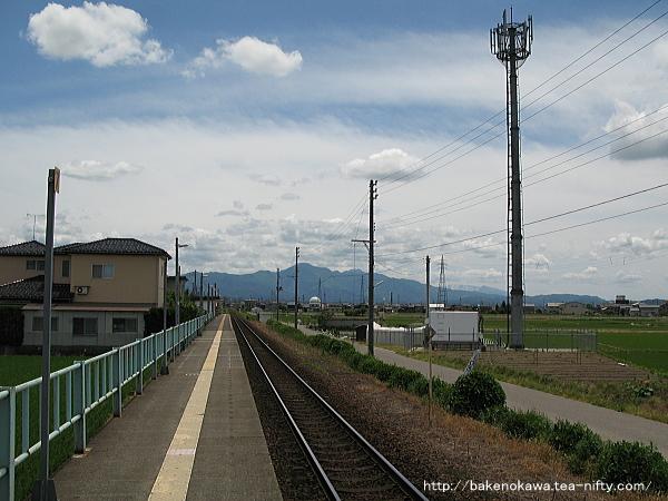 北五泉駅のホームその3