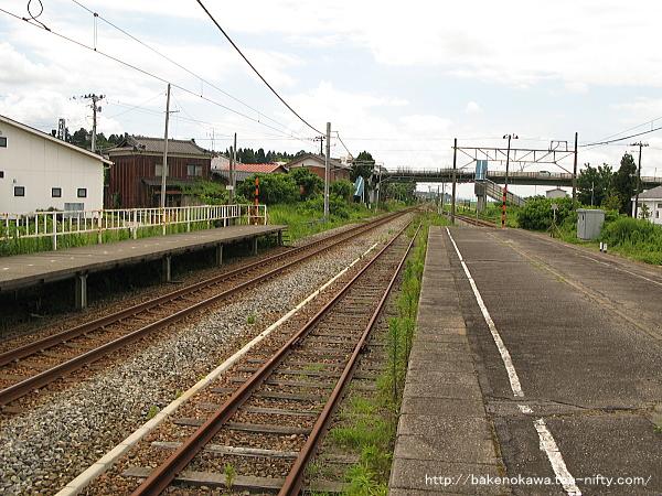 矢代田駅の旧島式ホームその2