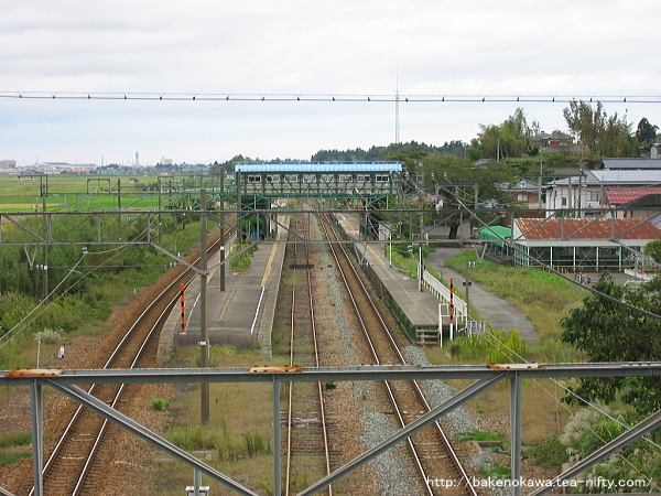陸橋上から見た矢代田駅旧構内