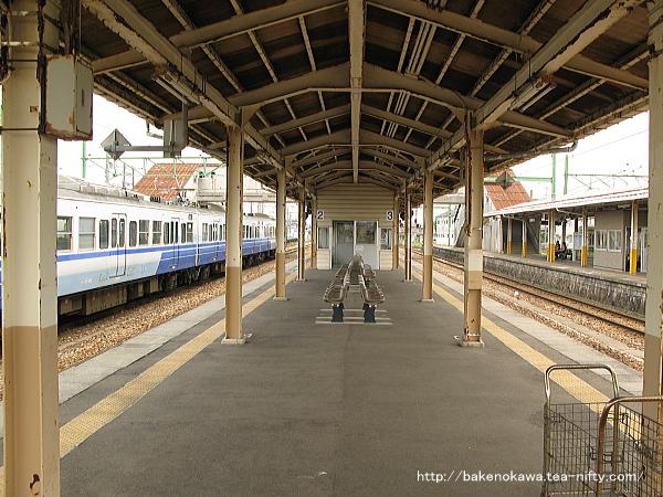 吉田駅の2-3番島式ホームその3