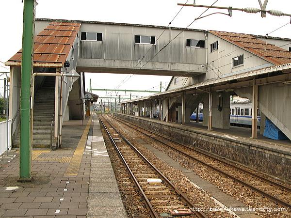 吉田駅の4-5番島式ホームその1