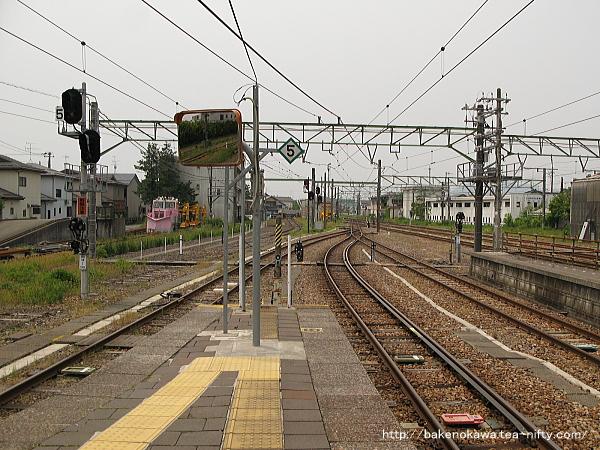 吉田駅の4-5番島式ホームその4