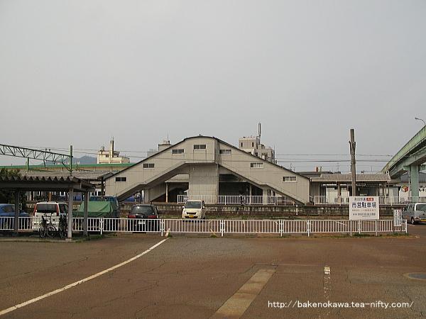 吉田駅東側