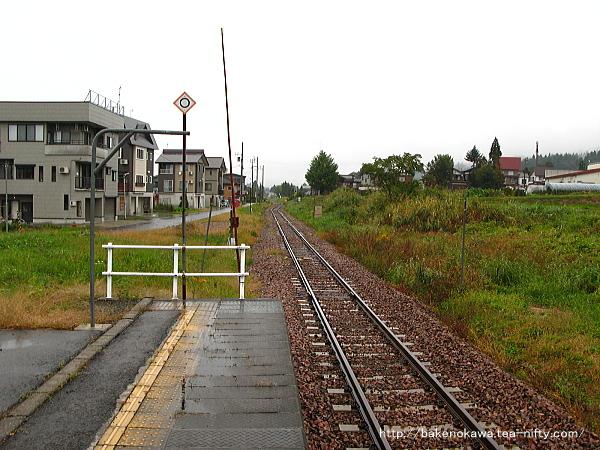 魚沼中条駅のホームその2