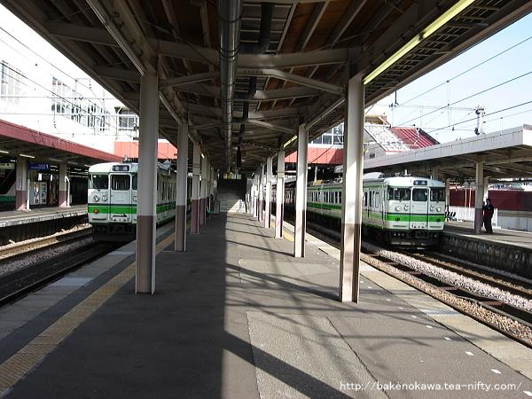 越後湯沢駅の島式ホームその1