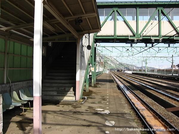 土樽駅の下りホームその2