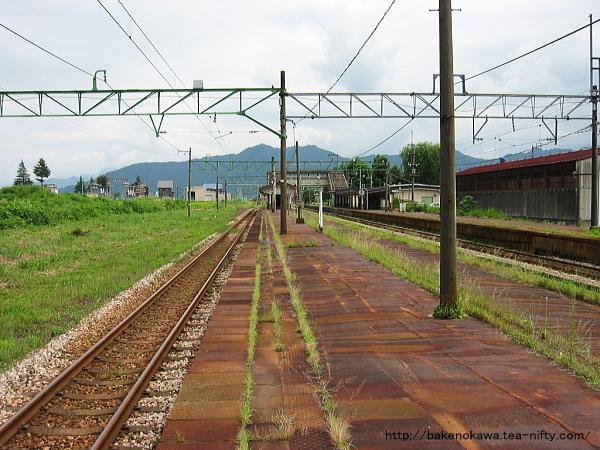 塩沢駅の旧島式ホームその1