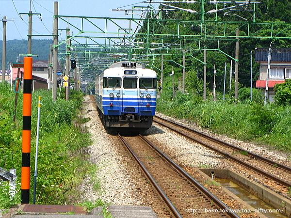 北条駅を出発した115系電車その2