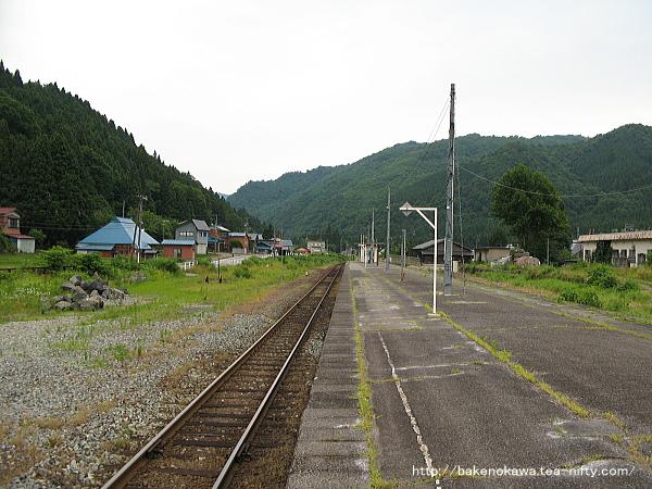 日出谷駅の旧島式ホームその3