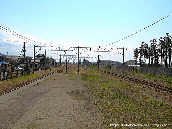 平木田駅の旧島式ホームその二