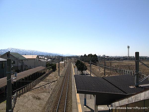 跨線橋上から新発田方を見る