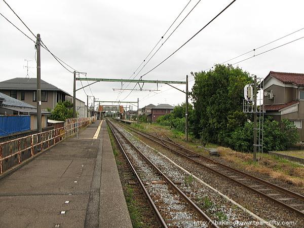 越後曽根駅の1番ホームその2