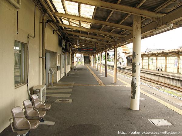 越後曽根駅の1番ホームその1
