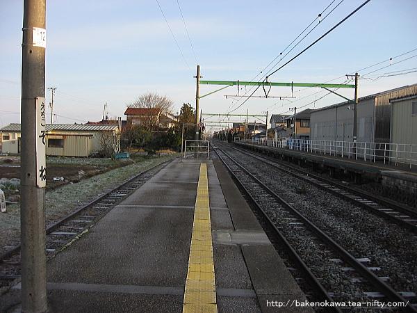 越後曽根駅の2番ホームその3