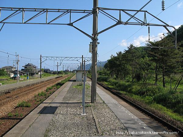 越後早川駅の上りホームその二
