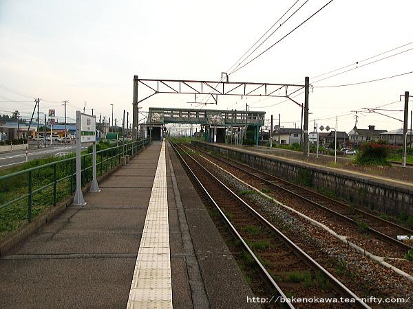 金塚駅の3番線その二
