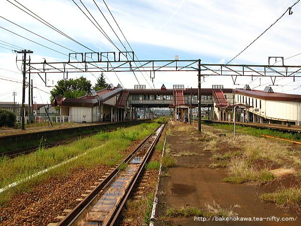 宮内駅の島式ホーム(2-3番線)その4