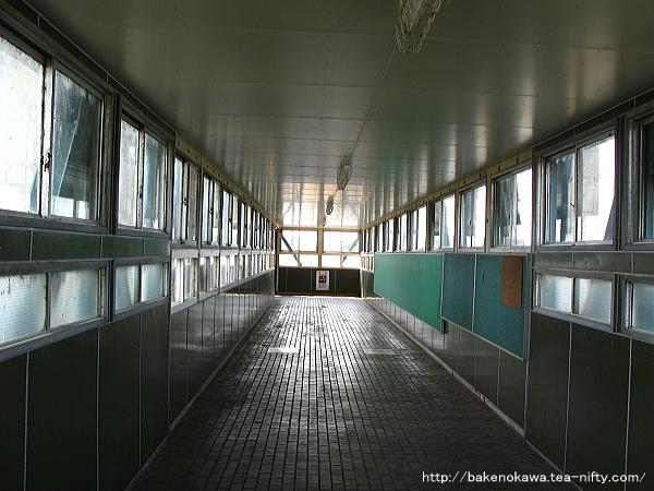 北長岡駅の跨線橋その1