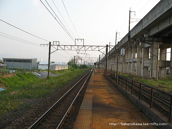 北長岡駅の島式ホームその5