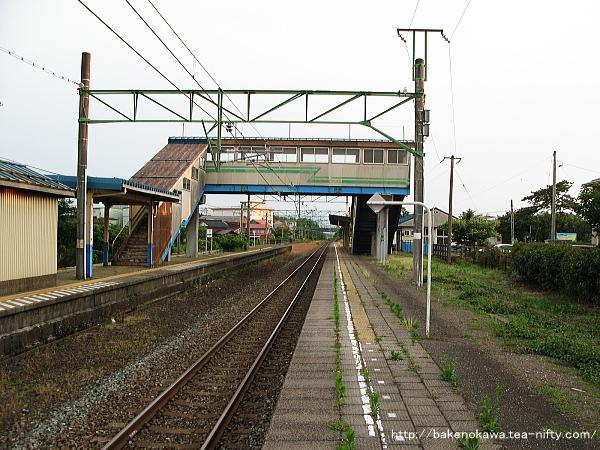 潟町駅の1番線その2