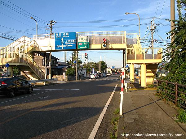 土底浜駅至近の国道8号線