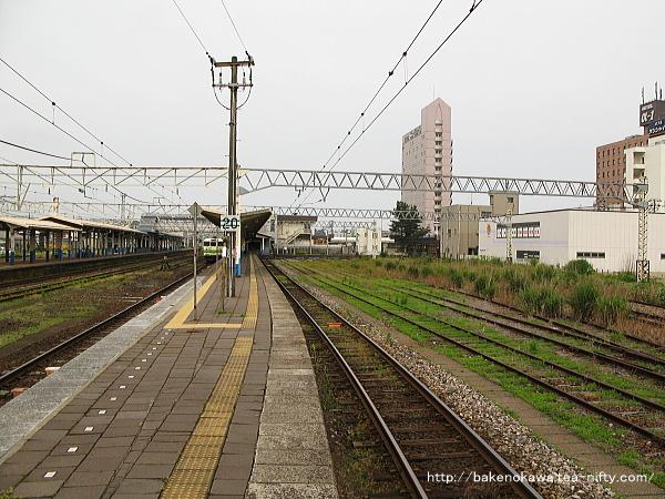 柏崎駅の1番線その1